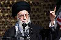 Ali Khamenei in Rahian-e Noor032.jpg
