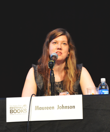 American author Maureen Johnson at LA Times Festival of Books 2012.png