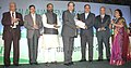 Ananthkumar presenting the award at the inauguration of the Fertilizer Association of India annual seminar 2014 on 'Unshackling the Fertilizer Sector', in New Delhi. The Minister of State for Chemicals & Fertilizers (1).jpg