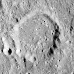 Anděl crater AS16-M-0977.jpg