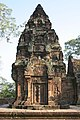 Angkor-Banteay Srei-16-Prasat-2007-gje.jpg