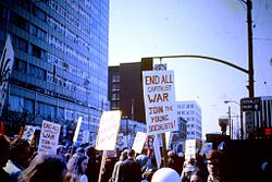 How did the vietnam war affect the anti-war movement?