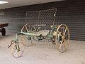Antieke hooischudder Fries Landbouw Museum.JPG