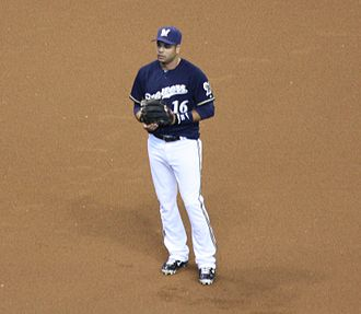 Aramis Ramírez - Fielding for the Milwaukee Brewers