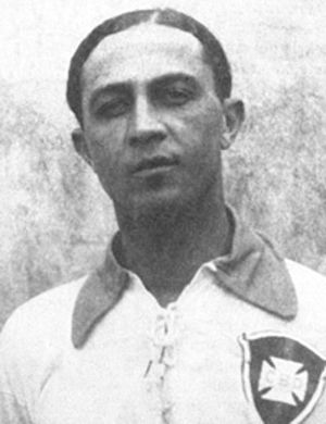 Arthur Friedenreich - Friedenreich with the Brazilian national team .