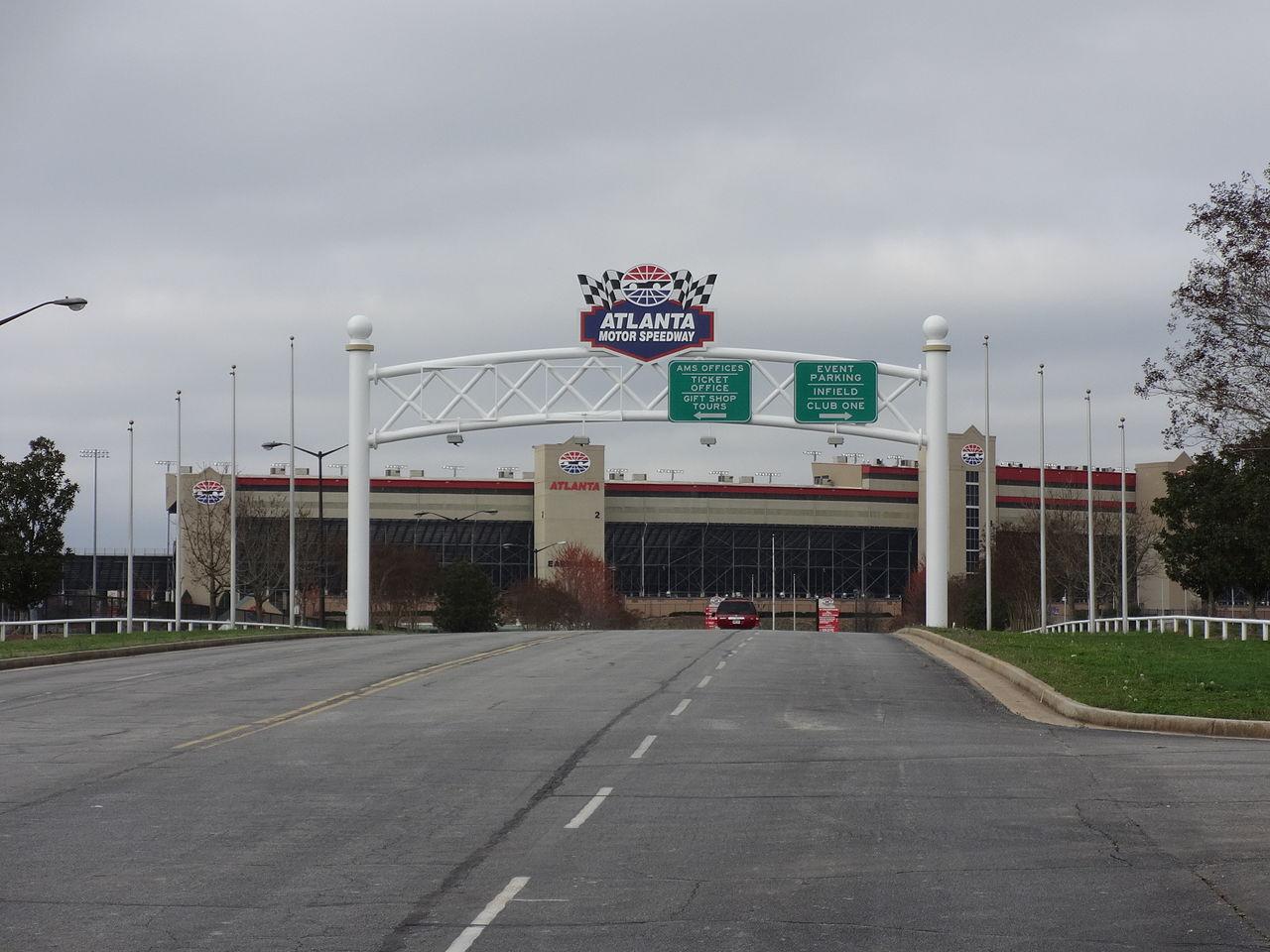 File Atlanta Motor Speedway Tara Pl Entrance Jpg