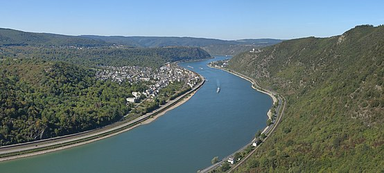 View from the lookout point Hindenburghöhe into the Rhine Gore