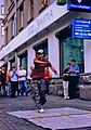 B-boy en Arbat (Moscú, Rusia).jpg