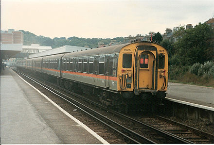 A 4 CEP electric multiple unit in Jaffa Cake livery on the 1066 electric service to Hastings in 1986. BR Class 411 4 4-CEP EMU no. 1525, Hastings, 24 September 1986.jpg