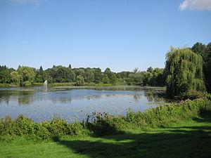 Der Kurpark mit dem de:Schwartauer See