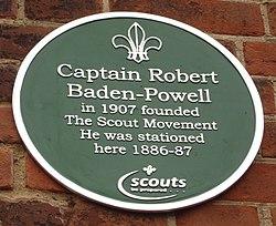 Photo of Robert Baden-Powell green plaque