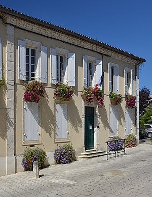 Baignes-Sainte-Radegonde - The Town Hall