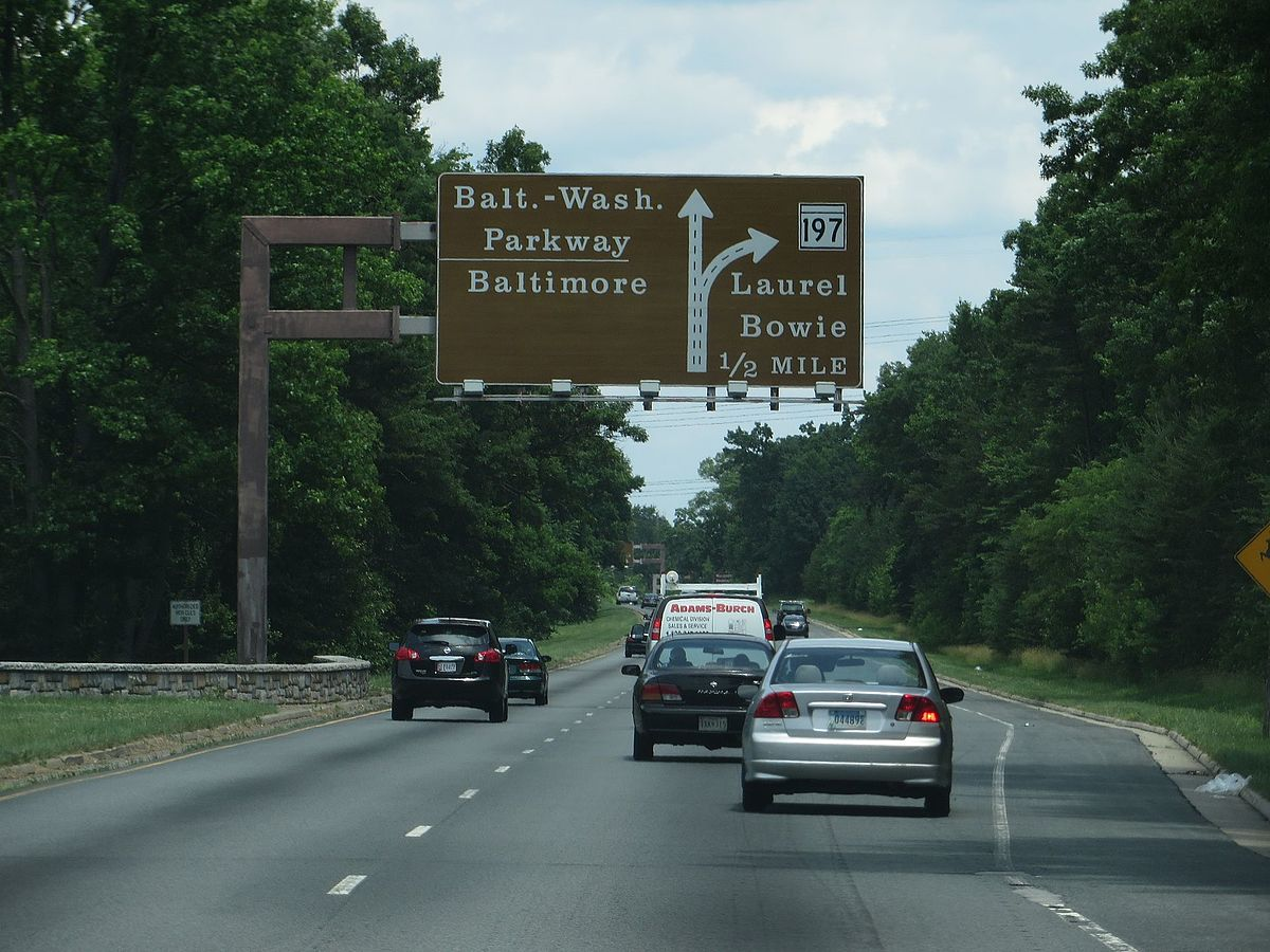 Baltimore–Washington Parkway, Laurel, Maryland (14496887832).jpg