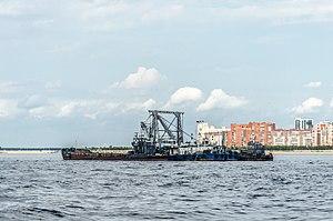 Barge on Neva river.jpg