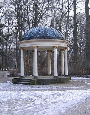 Monopteros - Image: Bayreuth Hofgartenpavillon 2
