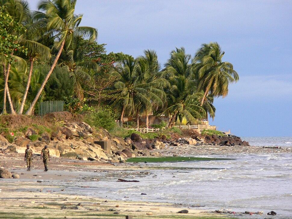 Beach scene Libreville 5