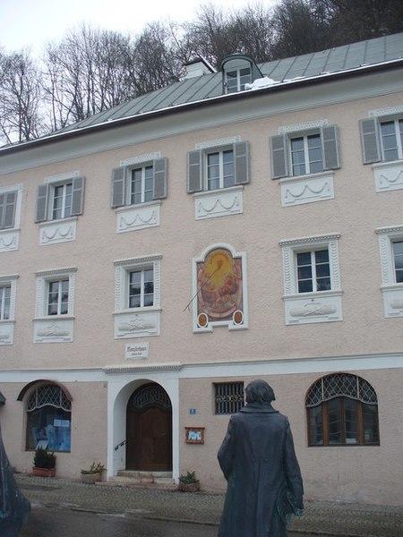File:Berchtesgaden, Kanzlerhaus (Chancellor's House) - geo.hlipp.de - 7967.jpg