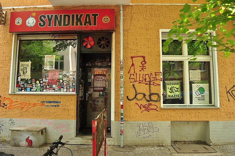 File:Berlin-Neukölln - Syndikat in Weisestraße.jpg