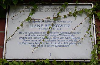 Liane Berkowitz - Memorial plaque in Berlin-Schöneberg, Viktoria-Luise-Platz 1