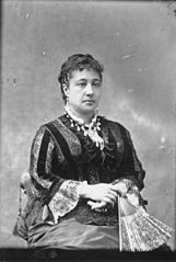 Bernice Pauahi Bishop, photograph by Menzies Dickson (PP-96-1-007).jpg