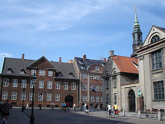 Jørgen Gudmundsen-Holmgreen - Gudmundsen-Holmgreen's statue of Niels Bohr (1956) stands outside the University of Copenhagen