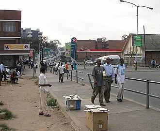 Economy of Malawi - Roadside vendor in Blantyre