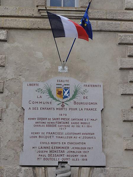 Bourguignon-sous-Montbavin (Aisne) plaque monument aux morts sur la mairie