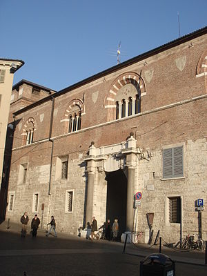 Broletto, Brescia - West Gate or Porta Orientale; carved template above door from Venetian rule, expunged in 1790s