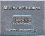 Bronzeschild - Museum für Meereskunde.jpg