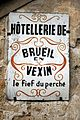 Brueil-en-Vexin - Enseigne01.jpg