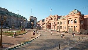 http://upload.wikimedia.org/wikipedia/commons/thumb/5/55/Buenos_Aires_-_Monserrat_-_Casa_Rosada_-_20090829.jpg/300px-Buenos_Aires_-_Monserrat_-_Casa_Rosada_-_20090829.jpg