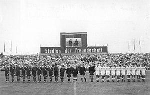 Stadion der Freundschaft (Frankfurt (Oder)) - Image: Bundesarchiv Bild 183 20371 0002, Sportfest im Stadion der Freundschaft in Frankfurt Oder