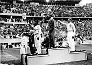Bundesarchiv Bild 183-G00630, Sommerolympiade, Siegerehrung Weitsprung