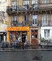 Bus ligne 89 - Rue du Cardinal-Lemoine, Paris 4 juin 2014.jpg