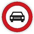 CZ-B03a Zákaz vjezdu všech motorových vozidel s výjimkou motocyklů bez postranního vozíku.jpg