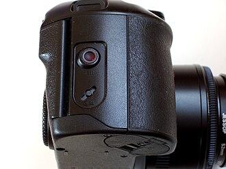 Canon EOS 100 - Circular infrared connection point for Canon's Barcode Reader