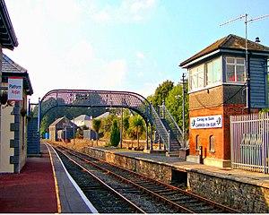 Carrick-on-Suir railway station - Image: Carrick on Suir railway station in 2008