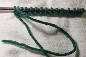 Casting on (knitting) - Long-tail cast-on