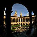 Catedral vista desde Palacio de Gobierno (la cúpula de la izq. no es de la catedral sino de El Sagrario).jpg