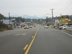 English: Cave Junction, Oregon. Driving into t...