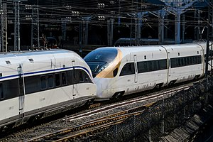 China Standardized EMU - Double heading between Sifang-built CR400AF-0207 and Changchun-built CR400BF-0503