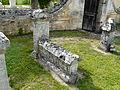 Cercles cimetière pierre tombale (2).JPG