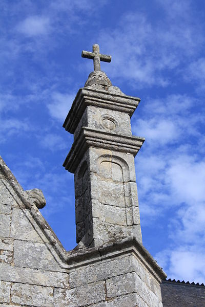 Chapelle Saint-Gobrien de Saint-Servant: pinacle sud-est