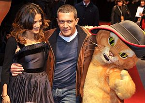 Puss in Boots (2011 film) - Salma Hayek, Antonio Banderas and Puss in Boots at a premiere of the film in Paris.