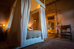 Château de Chalmazel - Guest suite with two adjoining bedrooms, shared modern bath and toilet.
