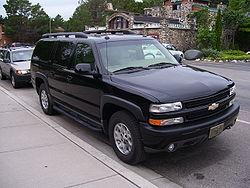 Chevrolet Suburban 2004 2.jpg