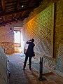 Chiesa di San Salvatore ad Chalchis cosiddetto Palazzo di Teodorico fotografi in azione.jpg