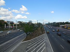 Commonwealth avenue quezon city wikipedia commonwealth avenue near the university of the philippines diliman malvernweather Image collections