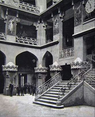 Hotel Internacional (Barcelona) - Courtyard and main staircase. 1888