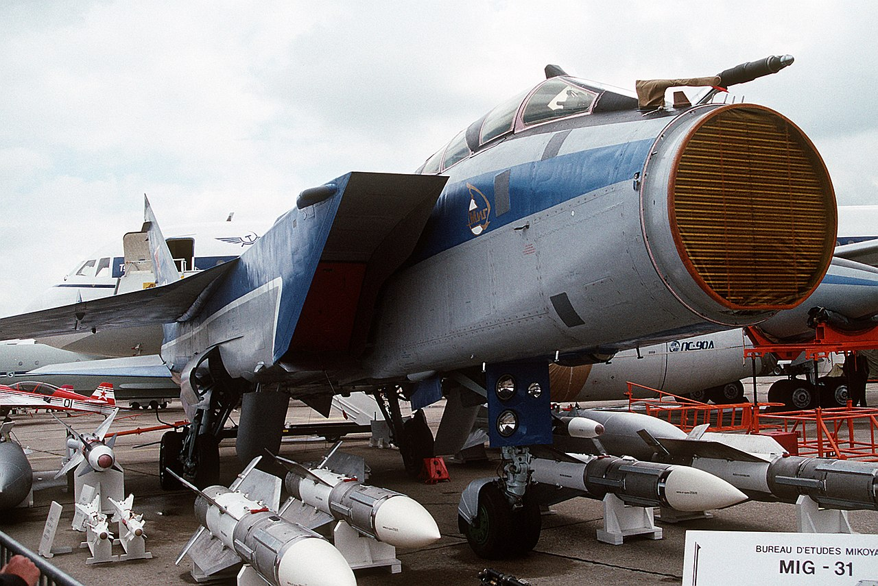 Zaslon AESA radar of the MiG-31, 1.4 meters in diameter